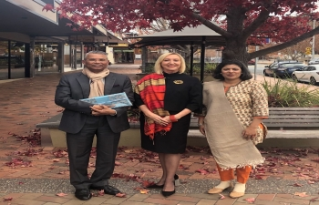 Meeting of High Commissioner Dr. A.M. Gondane with Her Hon. Ms. Vicki O'Halloran, Administrator of the Northern Territory (Australia)