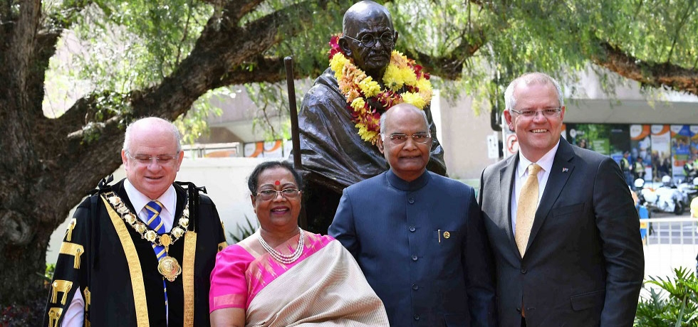 The President of India, Shri Ram Nath Kovind, Lord Mayor of City of Parramatta and Hon'ble Scott Morrison, Prime Minister of Australia during unveiling of Statue of Mahatma Gandhiji at Jubilee Park, Parramatta, Sydney, Australia.