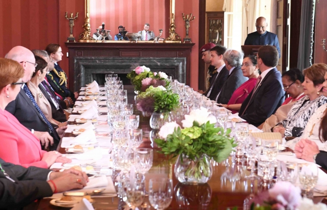 Hon. President during a State Lunch hosted by H.E. General the Hon'ble Sir Peter Cosgrov, Governor General of Australia on 22-11-2018