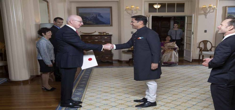 High Commissioner Mr. Manpreet Vohra presented his credentials to the Governor General of Australia The Hon. General David John Hurley.